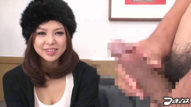 欲求不満の人妻がセンズリ鑑賞でバキュームフェラ!【素人無料動画】