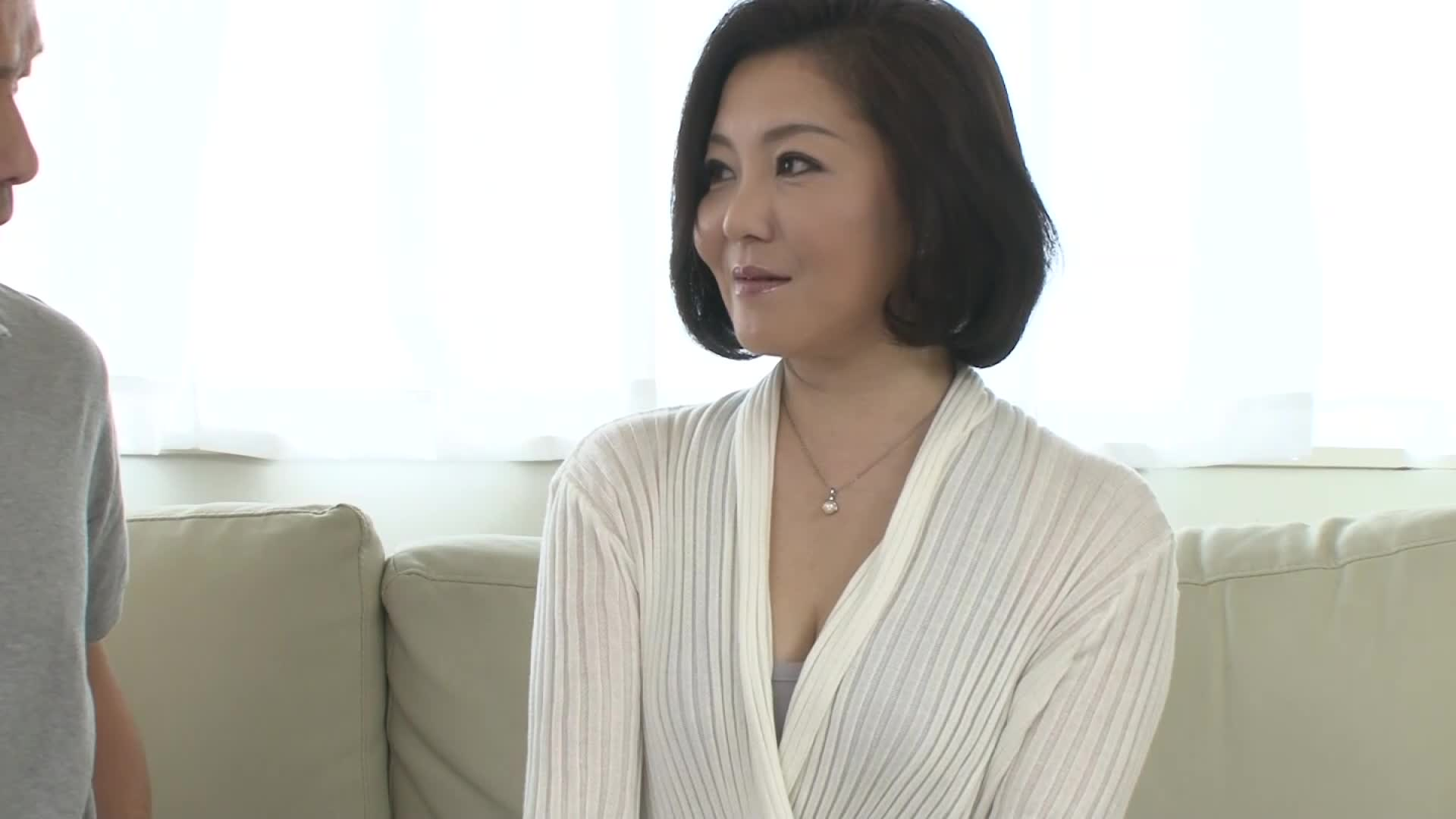 【40代】子持ちの熟女の動画。M気のある40代の上品そうな子持ち熟女の初撮り動画